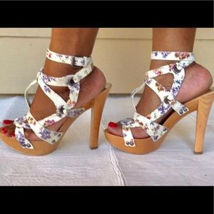GUESS by Marciano Floral Strappy Heels 9M